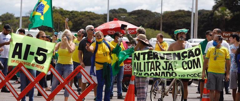 Sindsep-AM repudia condutas cada vez mais antidemocráticas de Bolsonaro